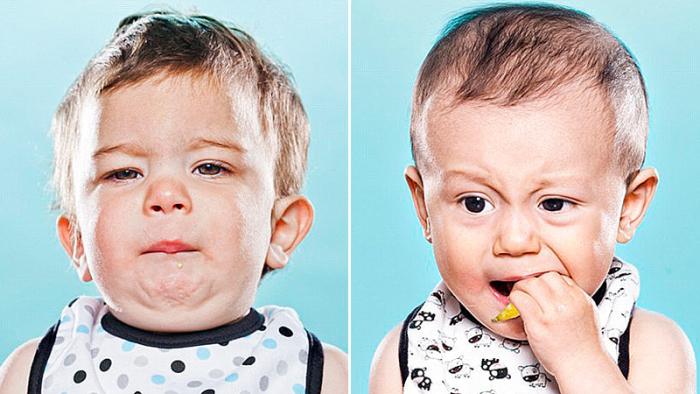 Sexton söta småbarn får smaka på citron för första gången
