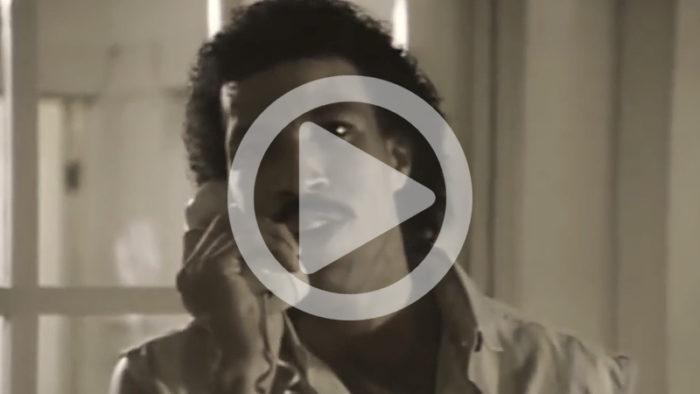 Lionel Richie ringer Adele och hennes reaktion är obetalbar!