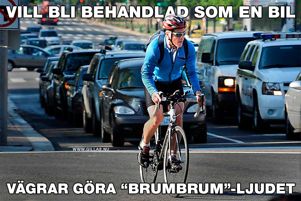 """Cyklist i trafiken - Vill bli behandlad som en bil, vägrar göra """"brumbrum""""-ljudet"""