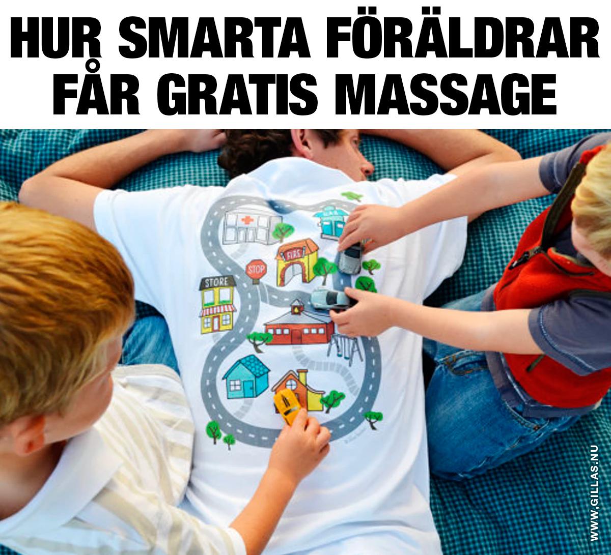 Man ligger på mage och barn kör leksaksbilar på ryggen