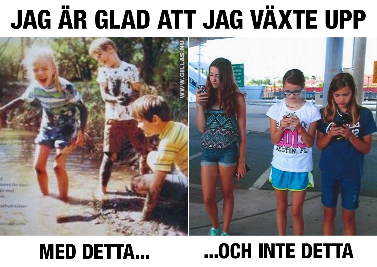 Barn som hoppar i vatten och barn som tittar på sina mobiler