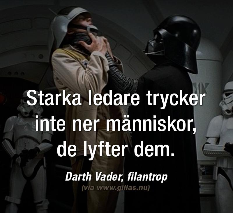 Darth Vader lyfter upp en människa